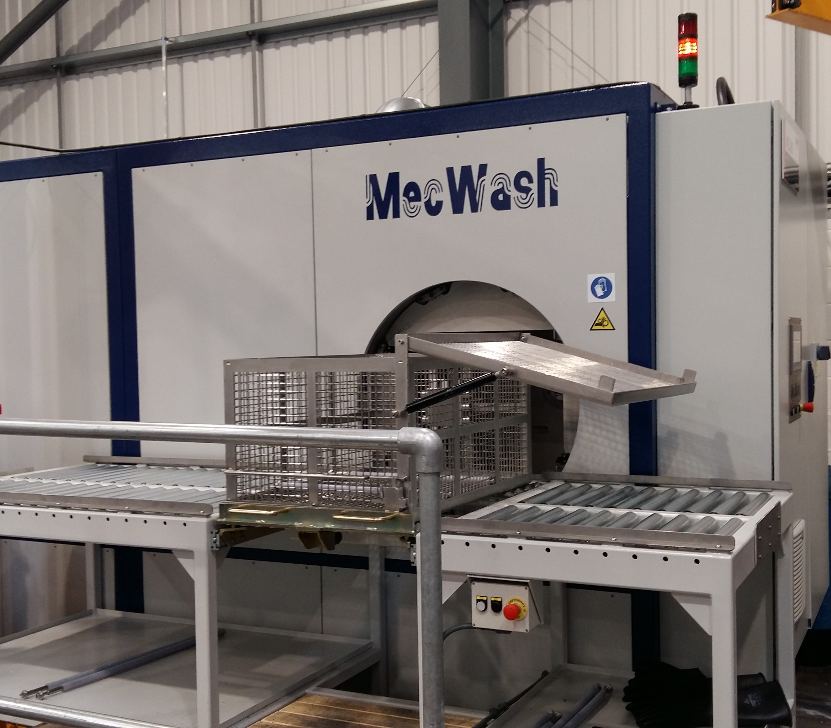 MecWash's Maxi provides optimum cleanliness with reduced costs for precision machining specialist Grainger and Worrall