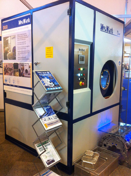 MecWash demonstrates the Duo's degreasing capability